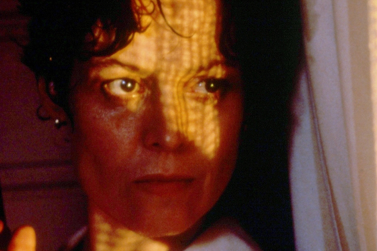 3-sigourney-weaver-death-and-the-maiden