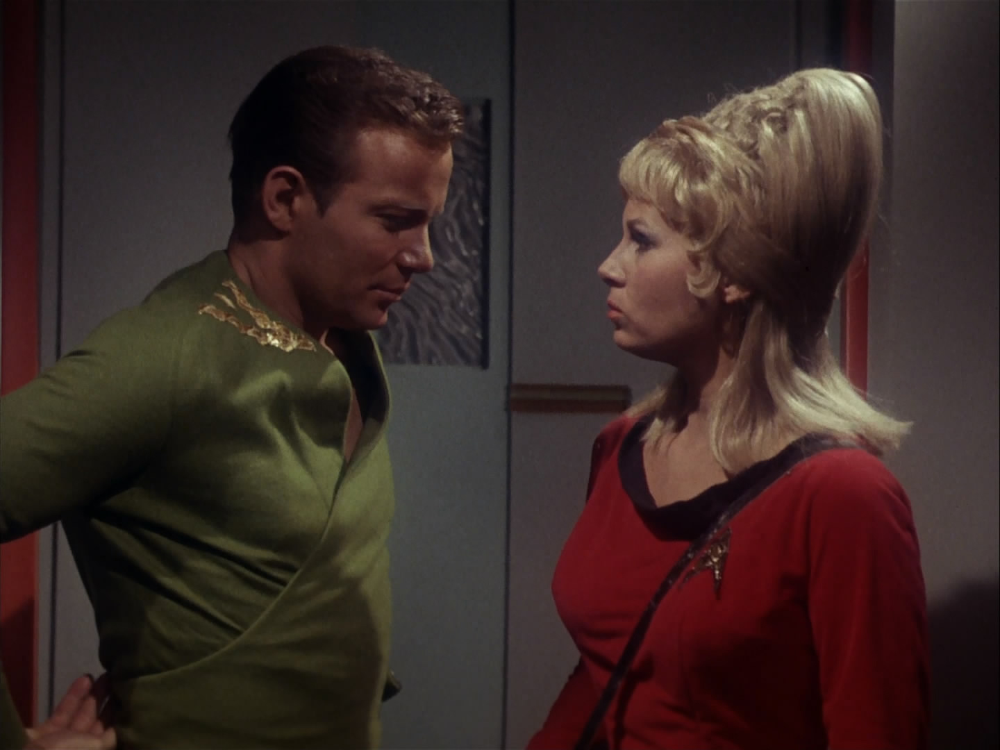 Star Trek: TOS – S01E05, The enemy within