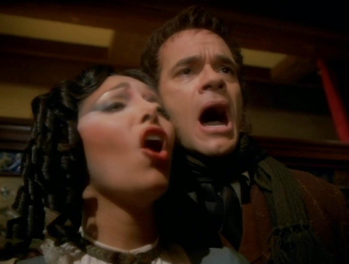 Star Trek: Voyager – S03E04, The Swarm