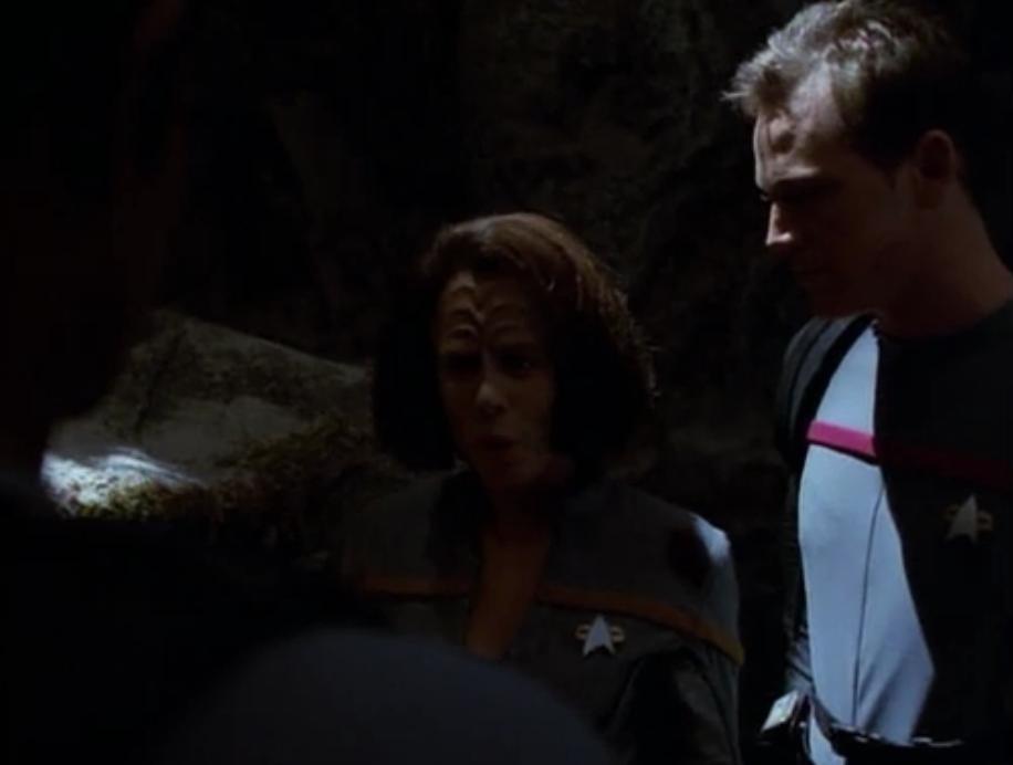 Star Trek: Voyager – S03E16, Blood Fever