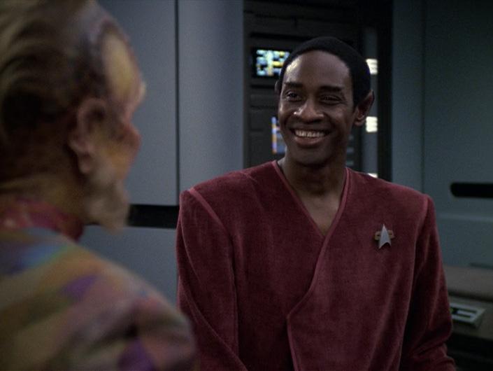 Star Trek: Voyager – S06E06, Enigmi