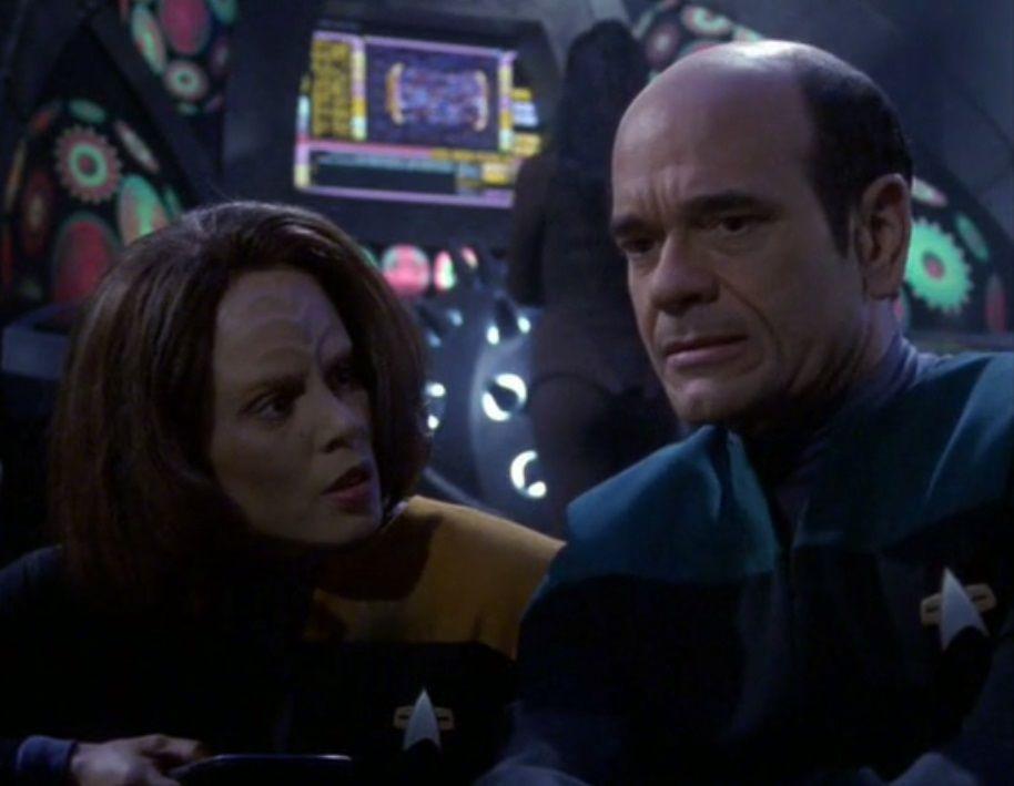 Star Trek: Voyager – S07E09-10, In carne e ossa